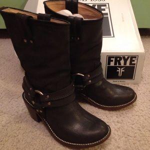 FRYE Carmen Harness Boots - Short
